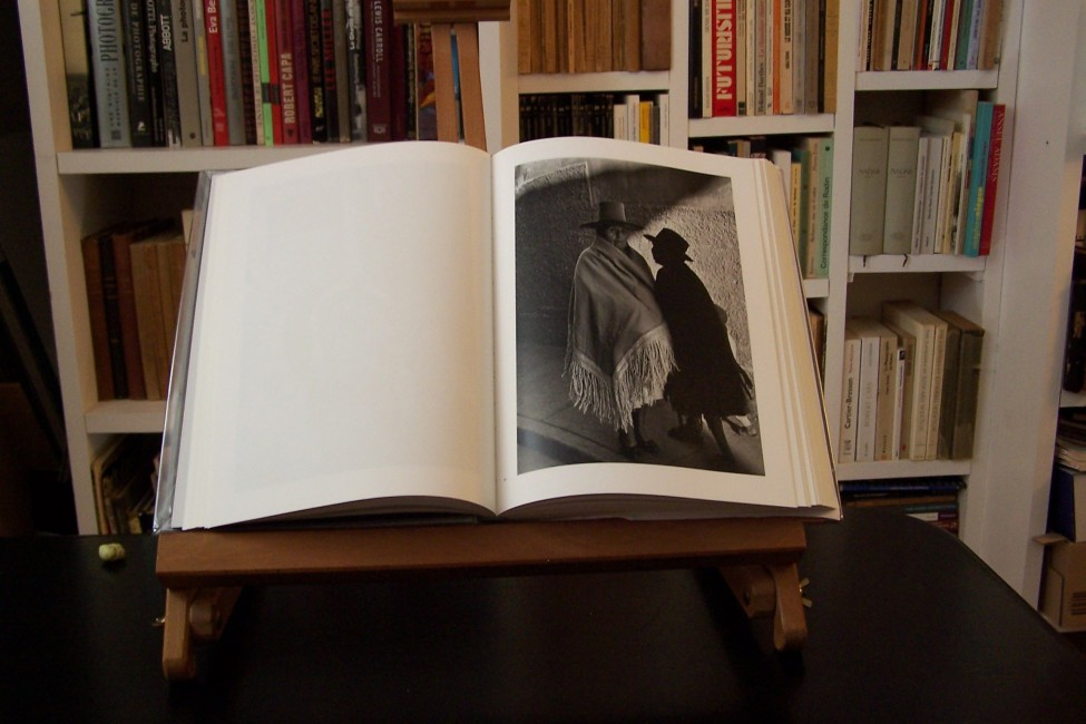 le-livre-de-Sergio-Larrain-ouvert-e1403775588216